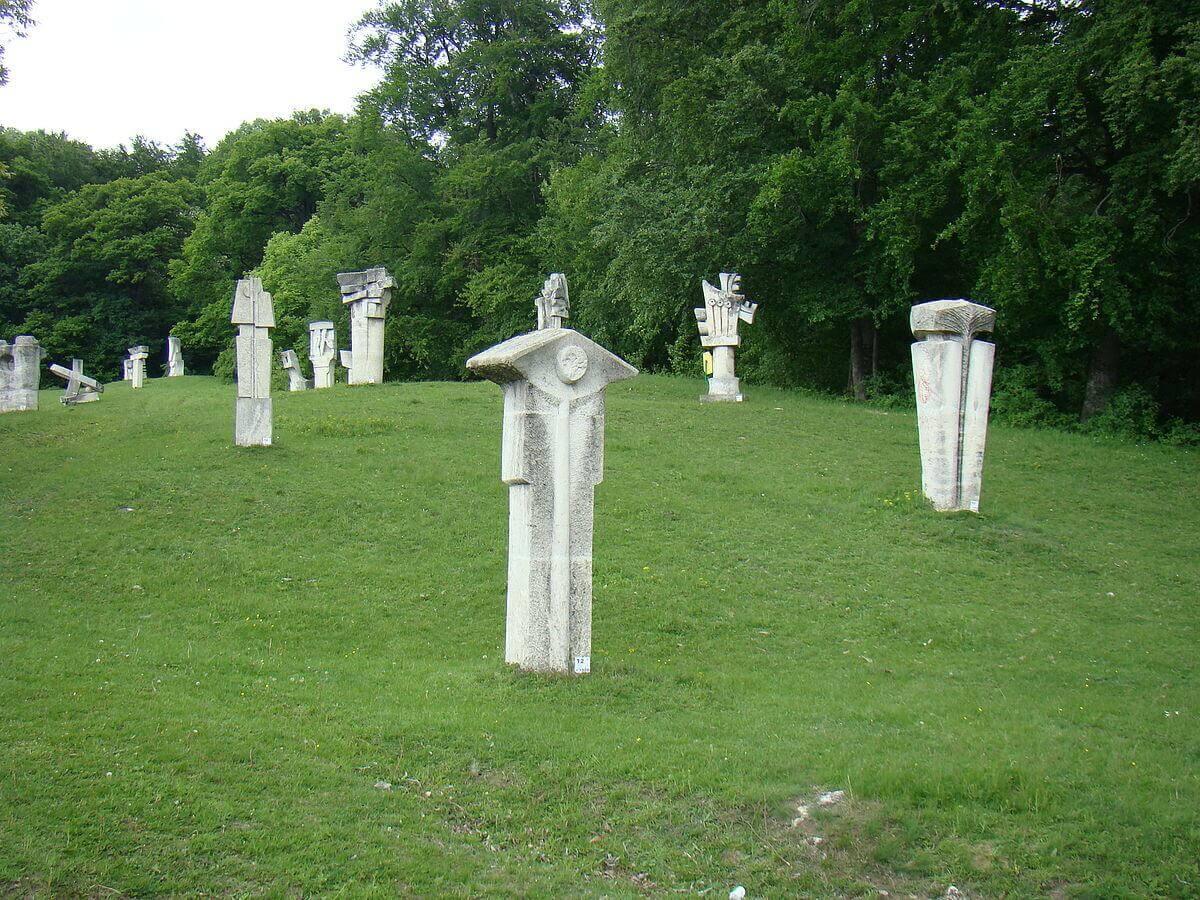 Tabara_de_sculptura_Magura